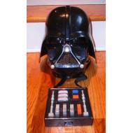 Capacete do Darth Vader que muda a voz e com sons Star Wars Usado