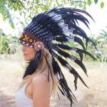 Cocar Indígena Adulto Branco e Preto