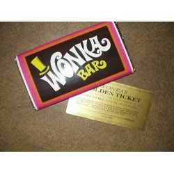 Embrulho do Chocolate e Bilhete Dourado da Fabrica de Chocolate